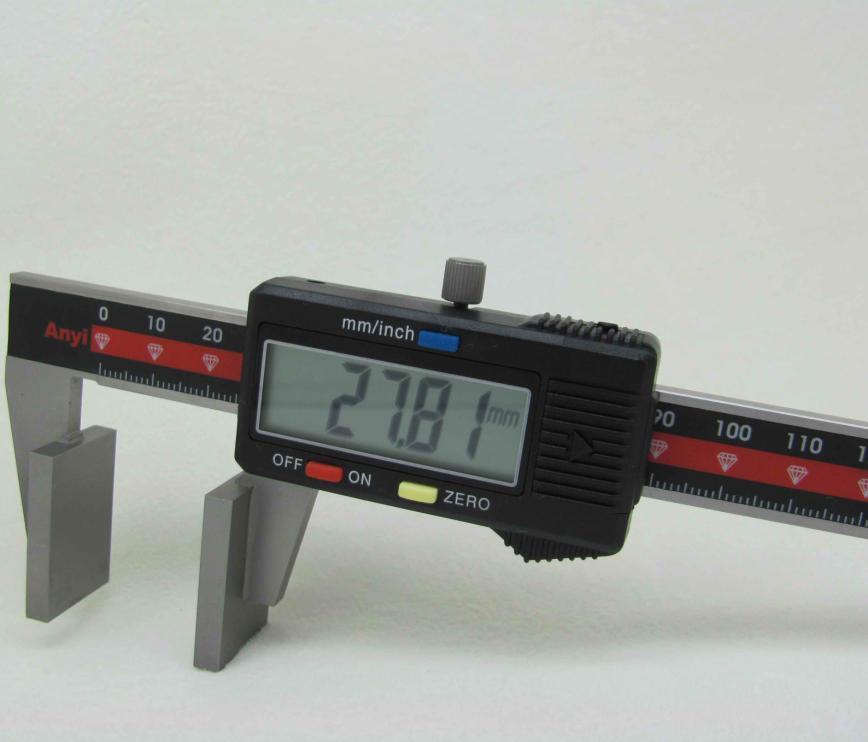 Digital calipers with broad measuring faces wirerope caliper
